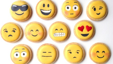 How To Decorate Emoji Cookies With Royal Icing!