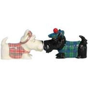 dogs salt and pepper shakers