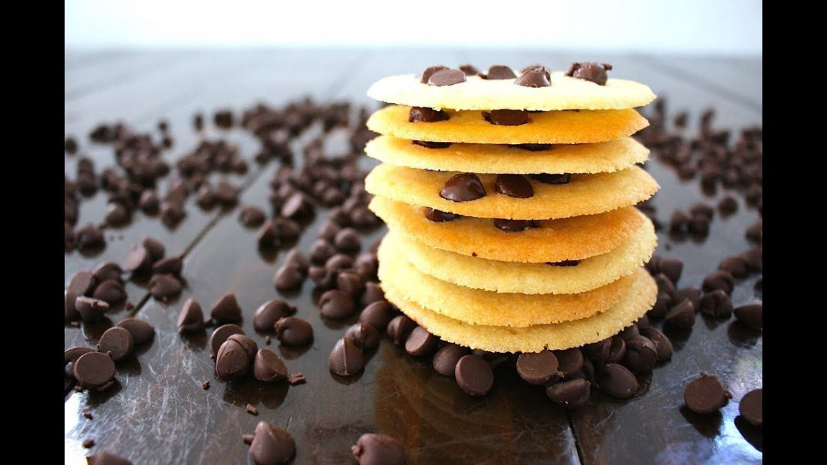 thin crispy chocolate chip cookies